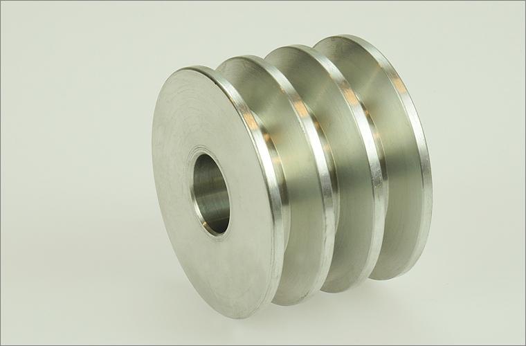 Dreifach-Keilriemenscheibe aus Aluminium